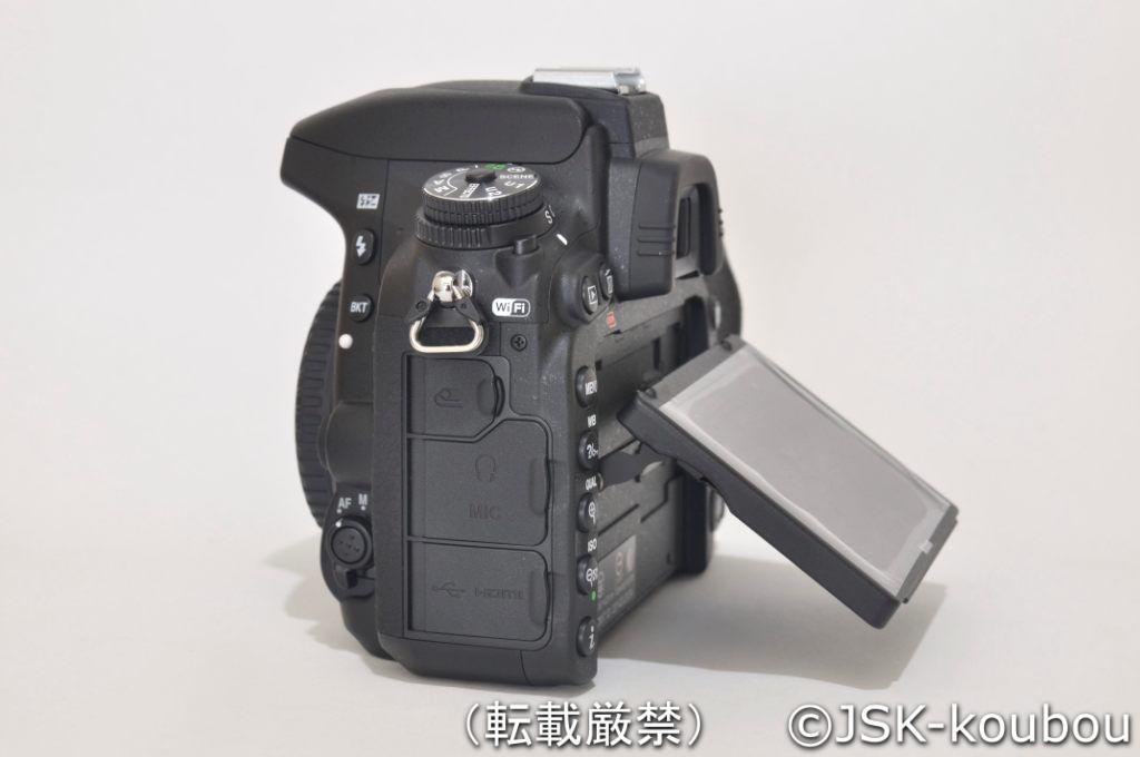 D750のチルト式液晶ディスプレイ